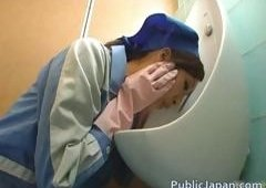 Far Eastern toilet attendant cleans wrong part5
