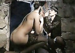 Bootylicious Deborah Wells and plus Cindy Wilson suck dick in the cave